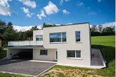 Individuelles Baumeisterhaus Mit Flachdach Design
