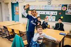 fussball trifft kultur viele kinder wachsen in eher