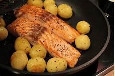 lachs mit kartoffeln lachs mit honigsenfsauce und kartoffeln rezept kochbar de