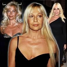 Jungs Malvorlagen Versace H 228 Tte Donatella Versace In Den 90ern Getroffen W 252 Rde