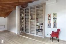 armadio per soggiorno libreria e armadio per mansarda soggiorno medio con