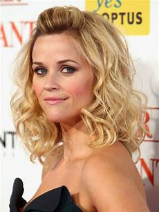 reese witherspoon s best hairstyles