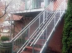 Treppengeländer Außen Verzinkt - metallbau f 252 r den innen au 223 enbereich treppen