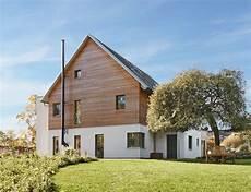 modernes holzhaus satteldach modernes holzhaus mit satteldach architektur designhaus