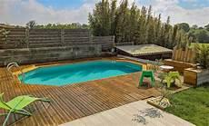 reparer une piscine hors sol comment construire une piscine hors sol et sa plage sur