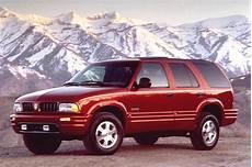 how cars engines work 1996 oldsmobile bravada navigation system 1996 01 oldsmobile bravada consumer guide auto