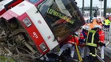 Unfall Düsseldorf Heute - stra 223 enbahn unfall in d 252 sseldorf mehrere schwerverletzte