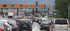 en catalogne les p 233 ages d autoroutes bient 244 t remplac 233 s