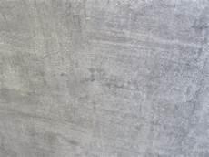 papier peint imitation beton papier peint lut 233 ce imitation beton taupe jhp deco