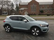 new 2019 volvo xc40 t5 momentum lease exterior and interior review 2019 volvo xc40 t5 the times weekly community