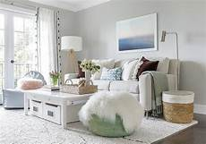 20 monochromatic living rooms in white full of personality