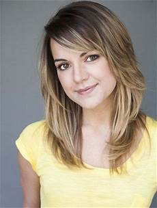 medium length layered hairstyles for round faces 18 shoulder length layered hairstyles popular haircuts