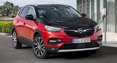 Opel Vauxhall Grandland X Gains 296 Hp Hybrid4 Phev