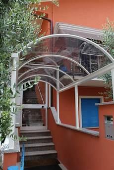 tettoia in plexiglass tettoia in ferro zincato e verniciato con copertura in