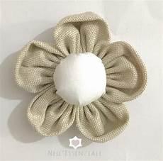 fiori in tessuto tutorial come fare i fiori di stoffa shabby tutorial nell essenziale
