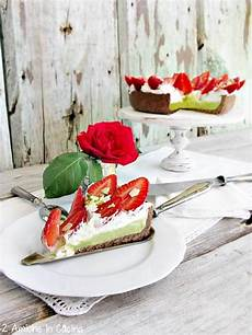 Crostata Al Pistacchio Crema Pasticcera Panna E Ricotta E Frutti Di Bosco The Foodteller | crostata al cioccolato con crema al pistacchio fragole panna montata e cioccolato bianco 2