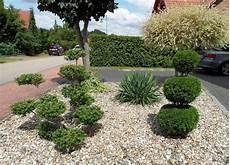 Vorgarten Mit Kies Und Steinen Gestalten