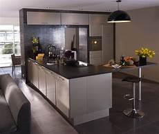 Cuisine Ouverte Beige Et Gris Kitchens Home Decor