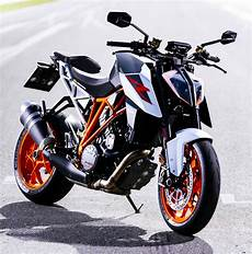 ktm 1290 duke r 2017 ride and review