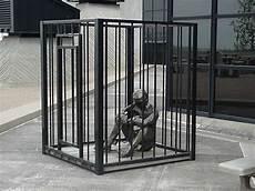 in gabbia eliotropo uscire dalla gabbia