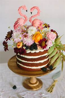 15 small wedding cake ideas that are big style a practical wedding