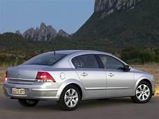 Opel Astra Sedan Specs Photos 2007 2008 2009