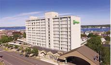 hotel in downtown portland maine holiday inn by the bay