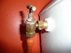 robinet d arret chasse d eau changer ou r 233 parer