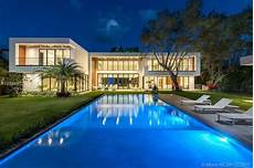 villa de luxe miami miami villas and luxury homes for sale prestigious
