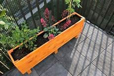 Diy Einen Blumenkasten Aus Holz Selber Bauen Balkon