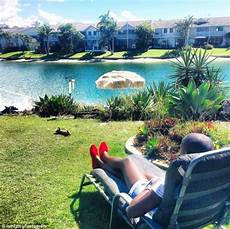 sydney s warm autumn weather to continue into may as