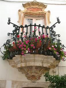 fioriere per davanzale finestra balconi fioriti composizione graziosa bonny balconies