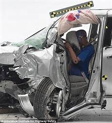 accident recorder 2012 nissan quest parking system watch as 60 of minivan models fail 40mph crash safety test daily mail online