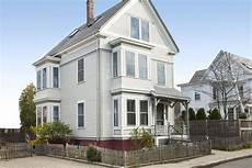 picking the exterior paint colors this old house