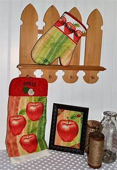 Kitchen Linens And Decor by Apple Embroidered Kitchen Linen Set Apple Kitchen D 233 Cor