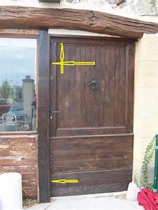 isoler une porte d entrée am 233 liorer isolation d une porte en bois