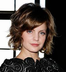 wavy bob hairstyle with bangs hairstyles weekly