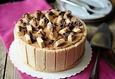 dolce con wafer torta wafer con crema al latte e doppio cioccolato arte in cucina