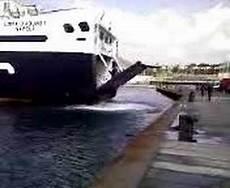 pozzuoli ischia porto traghetti traghetto medmar in arrivo nel porto di pozzuoli 4 parte