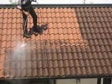 prix de nettoyage au m2 avec quoi nettoyer sa toiture tous les toits