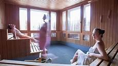 wie lange sauna sauna knigge wie nackt muss ich in der sauna sein