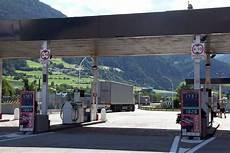tanken in italien autofahren und strafzettel vermeiden in italien