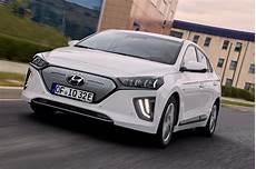 Hyundai Ioniq Elektro Facelift Mit Mehr Leistung Und