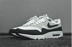 nike air max 1 ultra essential white anthracite sneaker