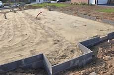 la dalle b 233 ton sera coul 233 e apr 232 s les fondations de la maison