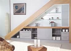 etagere sous escalier id 233 es d am 233 nagement sous un escalier bureau sous