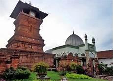 Akulturasi Islam Dalam Bidang Seni Bangunan Dan Arsitektur