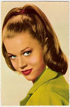 Easy 1950s Hairstyles For Hair