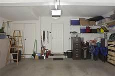 werkstatt einrichten jedes werkzeug am rechten garage optimal einrichten