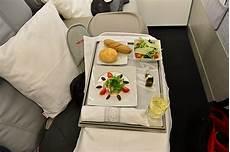 niki air essen niki pr 228 sentiert business class und neues produkt